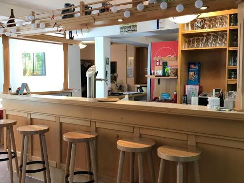The lounge or bar area at Alte Schule Niederdünzebach