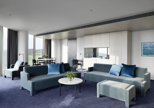 A seating area at RACV Cape Schanck Resort