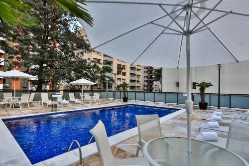 The swimming pool at or near Transamerica Classic Victoria Place Itaim Bibi