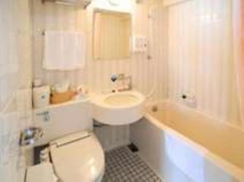 A bathroom at Hotel Crown Hills Matsuyama