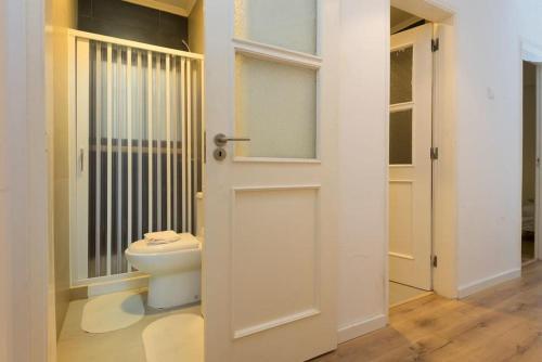 A bathroom at Admiral Abadia