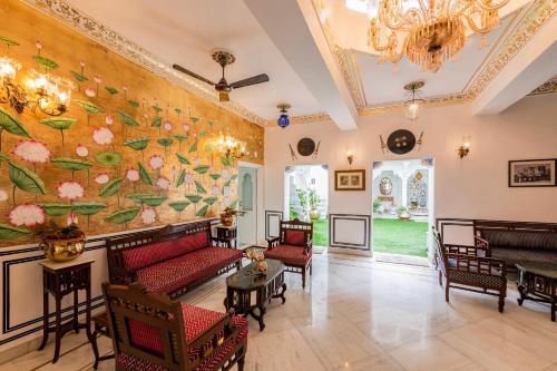 Лобби или стойка регистрации в Jagat Niwas Palace