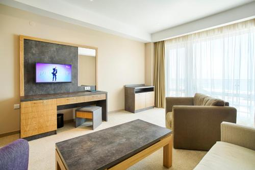 Гостиная зона в DIT Evrika Beach Club Hotel - All Inclusive