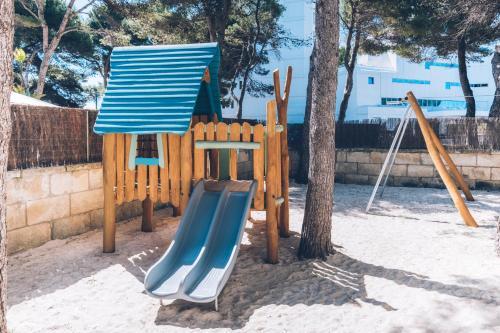 Lekplats på Iberostar Selection Playa de Muro Village