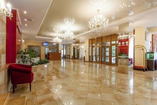Lobbyen eller receptionen på Hotel Oktyabrskaya