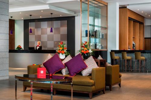 The lobby or reception area at Park Inn by Radisson Aberdeen