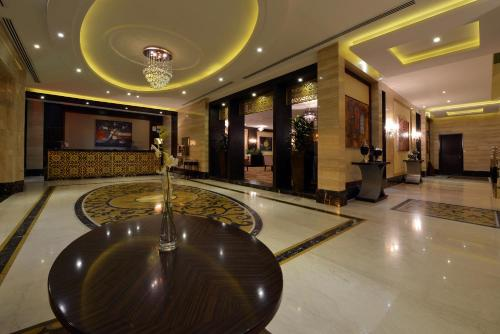 The lobby or reception area at Boudl Majmaa Apartment