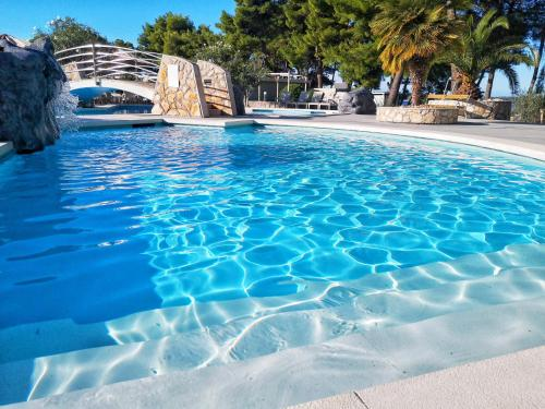 The swimming pool at or close to Matilde Beach Resort