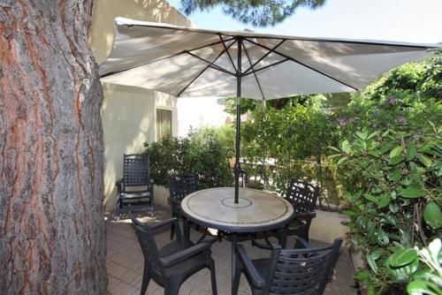A porch or other outdoor area at Il Villaggio Di Giuele