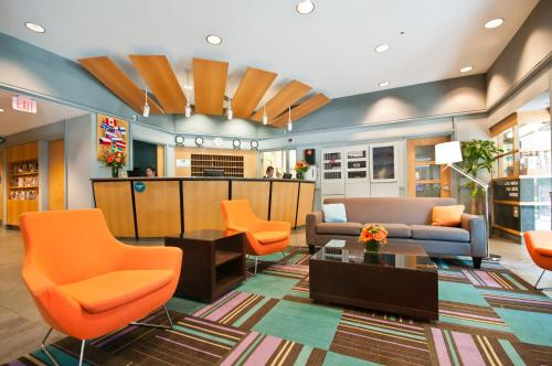 The lobby or reception area at YWCA Hotel Vancouver