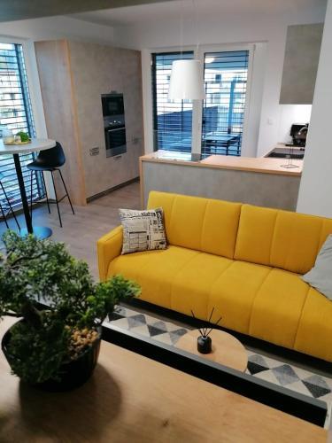 Posedenie v ubytovaní Green Bay Residence Apartment C3.03