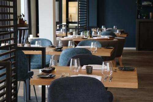 A restaurant or other place to eat at Boutique Hotel Texel