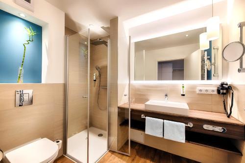 A bathroom at Seehotel am Stausee