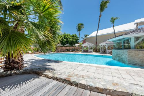 The swimming pool at or close to La Playa Orient Bay