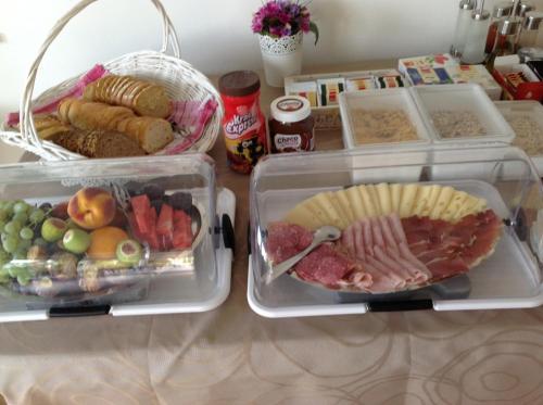 Opciones de desayuno disponibles en Vila Mozara