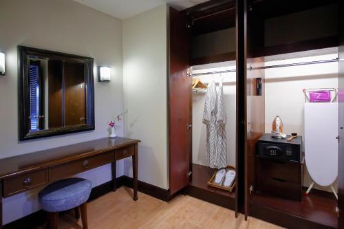 A bathroom at The Magellan Sutera Resort