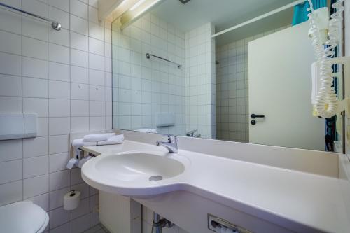 A bathroom at Hotel Astor