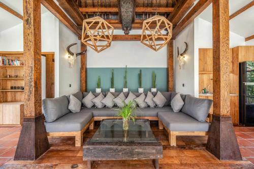 A seating area at Kuno Villas