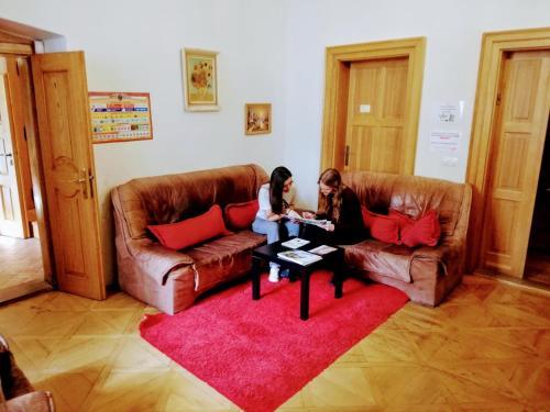 Posezení v ubytování Hostel HOMEr - Old Town Square