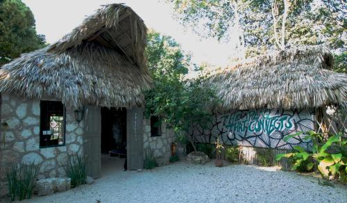 Edificio en el que se encuentra el tented camp