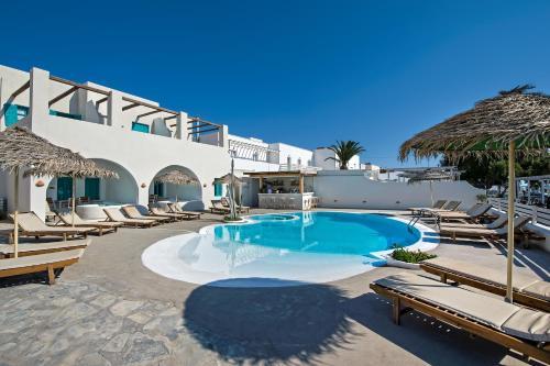 Piscine de l'établissement Nissia Beach Apartments & Suites ou située à proximité