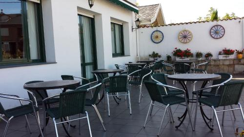 A restaurant or other place to eat at Hotel Cortijo