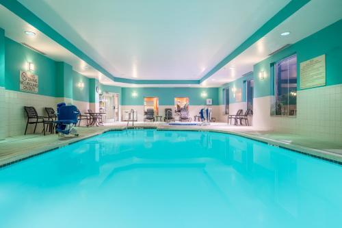 The swimming pool at or near Hilton Garden Inn Morgantown
