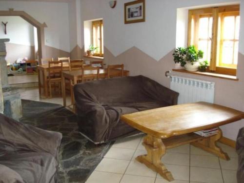 A seating area at Pokoje Gościnne Za Sichłą
