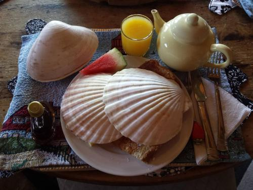 Breakfast options available to guests at SeaWatch Bed & Breakfast
