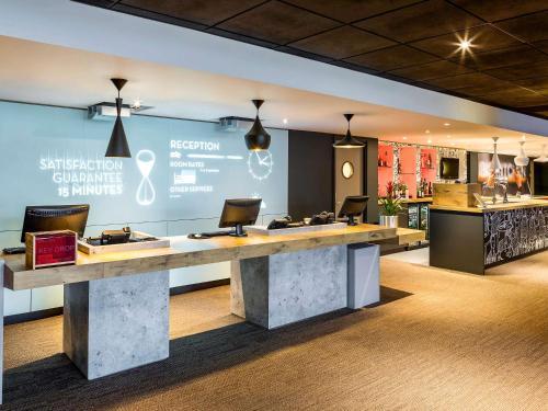 The lobby or reception area at ibis Leeds Centre Marlborough Street
