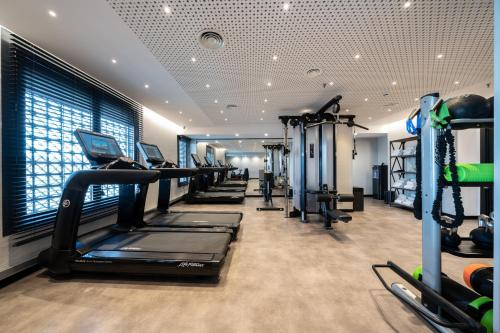 The fitness centre and/or fitness facilities at Catalonia Barcelona Plaza