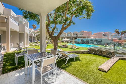 Het zwembad bij of vlak bij Apartamentos Koala Garden THe Home Collection