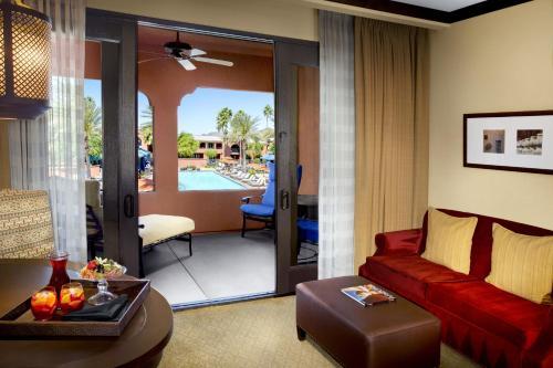 Omni Scottsdale Resort & Spa at Monteluciaにあるシーティングエリア