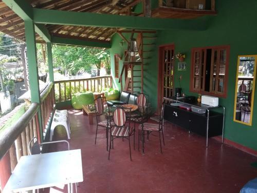 Um restaurante ou outro lugar para comer em Albergue Muzy