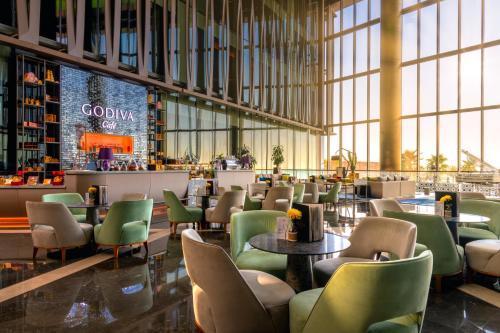 مطعم أو مكان آخر لتناول الطعام في Rixos Premium Dubai JBR