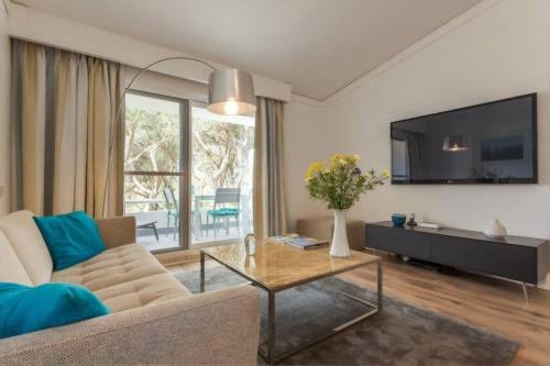 A seating area at Blue&Greens Apartment