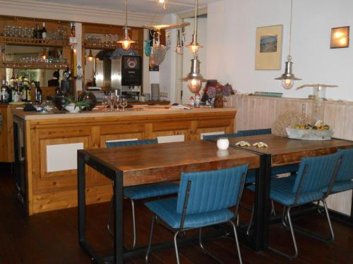The lounge or bar area at De Stormvogel
