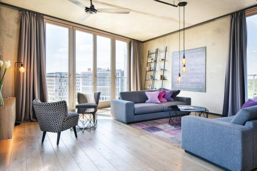 A seating area at Downtown Apartments Mitte