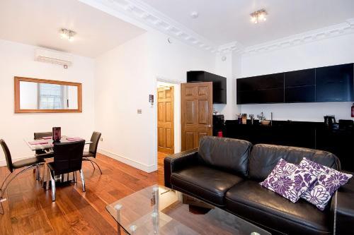 A seating area at Apartment 1, 48 Bishopsgate