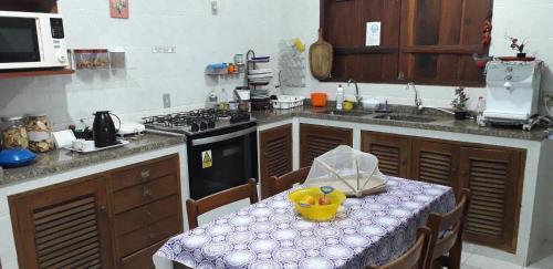 A cozinha ou cozinha compacta de Casa Hostel Paraty