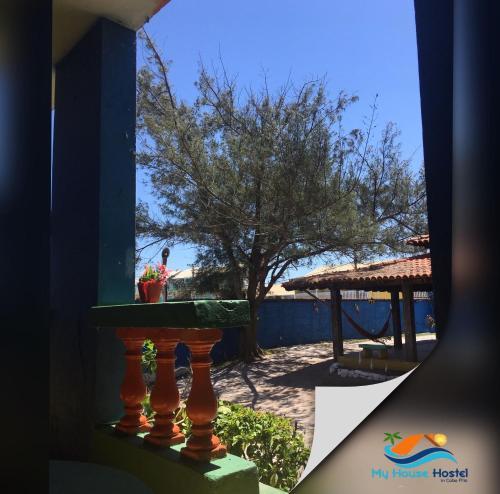 Uma vista da piscina em My House Hostel Cabo Frio ou nos arredores