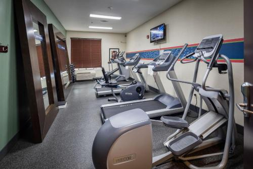 The fitness center and/or fitness facilities at Hampton Inn San Francisco Airport