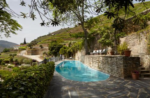 The swimming pool at or close to Quinta de la Rosa