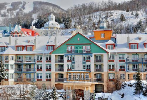 Lodge de la Montagne during the winter