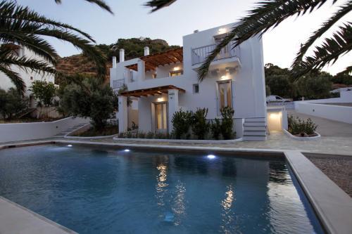 Πισίνα στο ή κοντά στο Amphitrite Apartments Skyros
