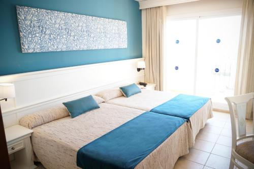 Cama o camas de una habitación en Ohtels Cabogata