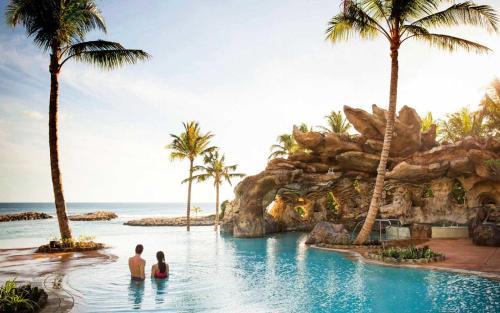 The swimming pool at or close to Aulani, A Disney Vacation Club Villa, Ko Olina, Hawai'i