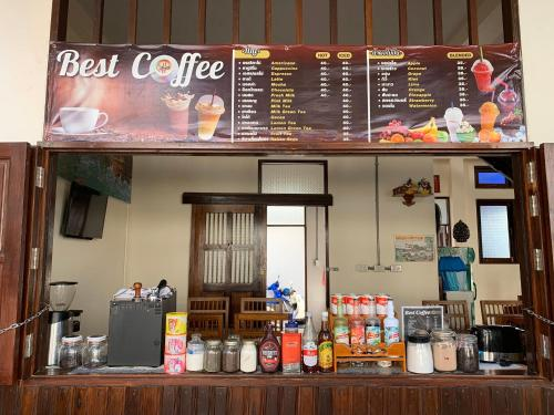 A restaurant or other place to eat at Jitra Resort