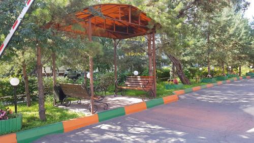 Сад в Отель «Корона»