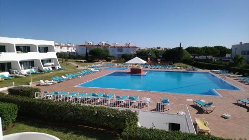 Uma vista da piscina em Quinta Das Figueirinhas & Quintinha Village ou nos arredores